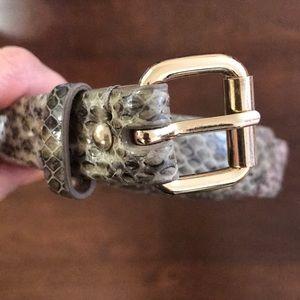 ⬇️ $19 Ann Taylor Genuine Leather Snakeskin Belt